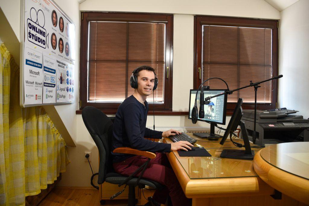 online studio